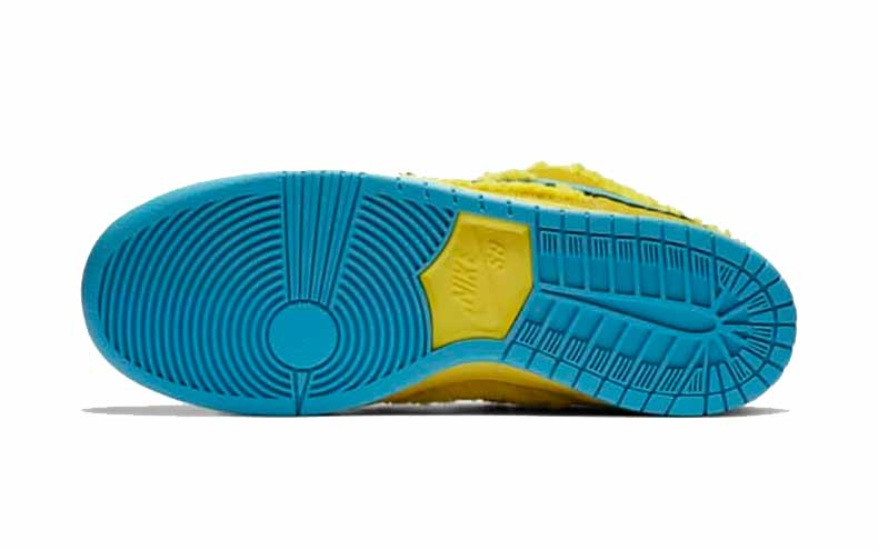 SB Dunk Yellow Sole View
